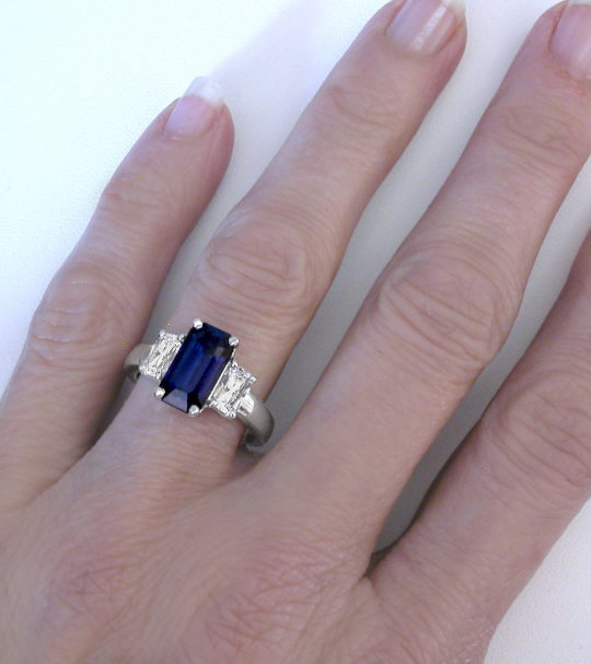 White cut emerald sapphire rings recommend to wear in spring in 2019