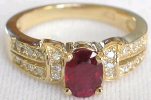 Oval Ruby Ring in Yellow Gold